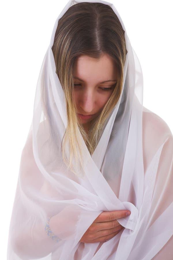 妇女wraping的年轻人 免版税图库摄影