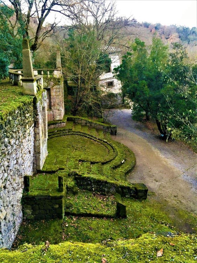 妖怪的公园,神圣的树丛,博马尔佐庭院  超现实的世界和方术 免版税库存照片
