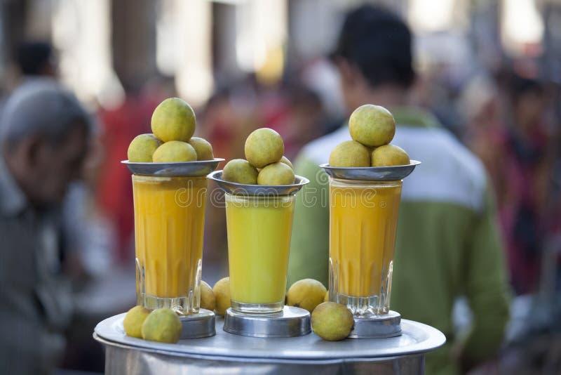 从贾姆讷格尔,印度的柠檬汁 免版税库存照片