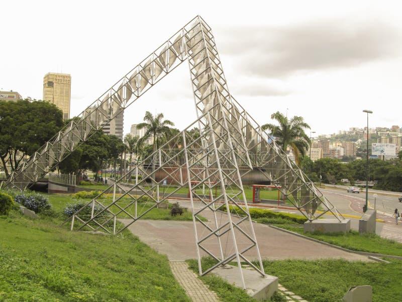 委内瑞拉加拉加斯雕塑Abra太阳亚历杭德罗奥特罗广场委内瑞拉 免版税库存照片