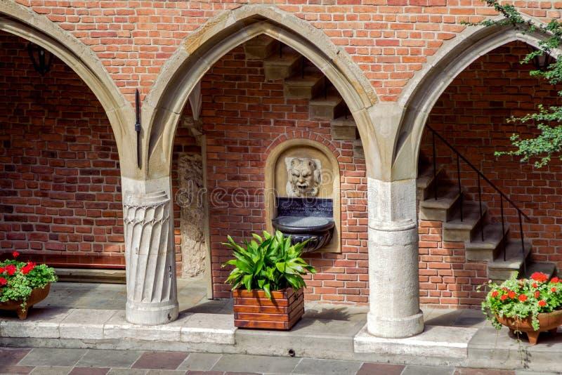 委员会亚捷隆大学庭院的Maius博物馆 库存照片