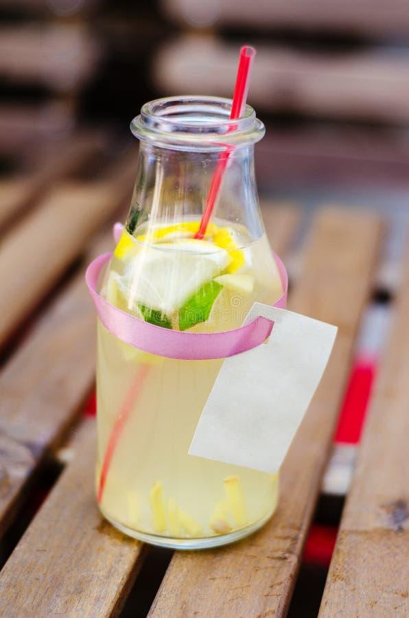 姜柠檬水 库存照片