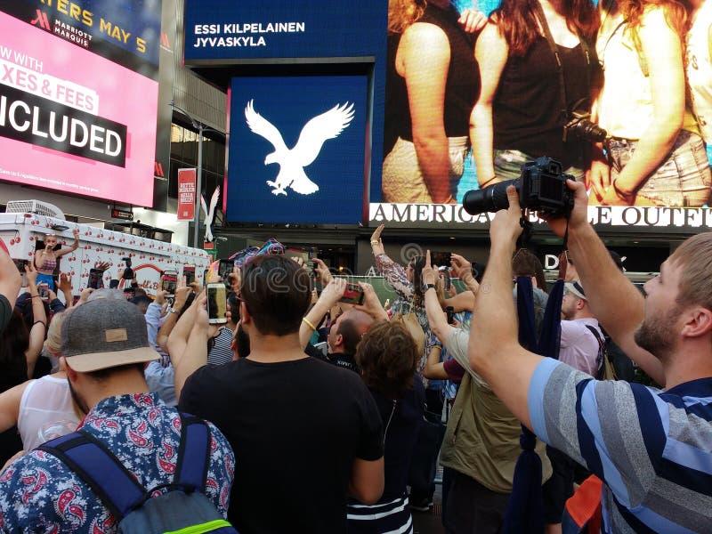 姬蒂・佩芮在时代广场, NYC,美国 免版税图库摄影