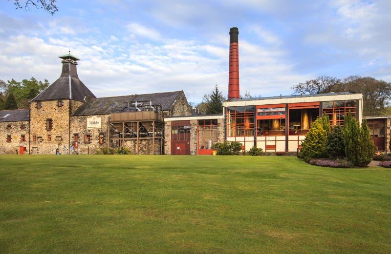 威士忌酒杜瓦瓶的世界在Aberfeldy,苏格兰。 库存图片