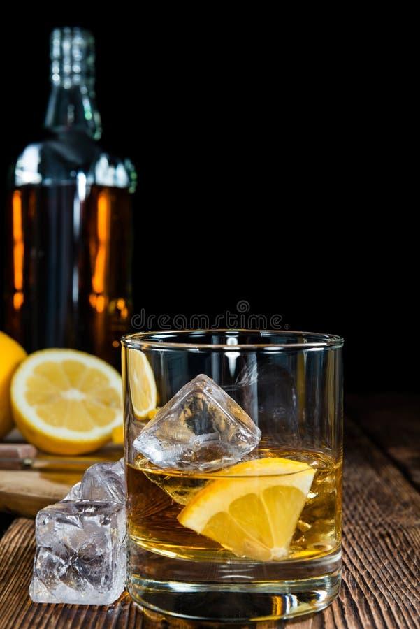 威士忌酒用柠檬 库存照片