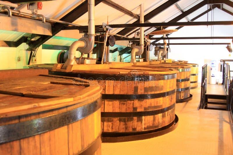 威士忌酒蒸馏设备 免版税库存图片