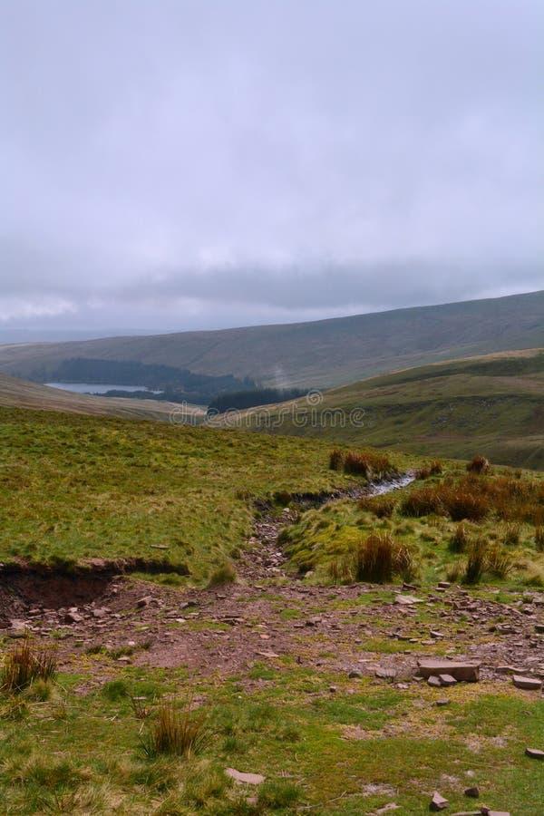 从威尔士小山的全景,笔y爱好者峰顶,布雷肯比肯斯山,威尔士,英国 库存照片