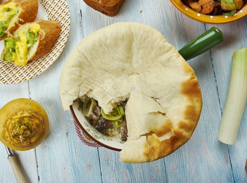 威尔士牛肉、韭葱和蘑菇饼 免版税库存照片
