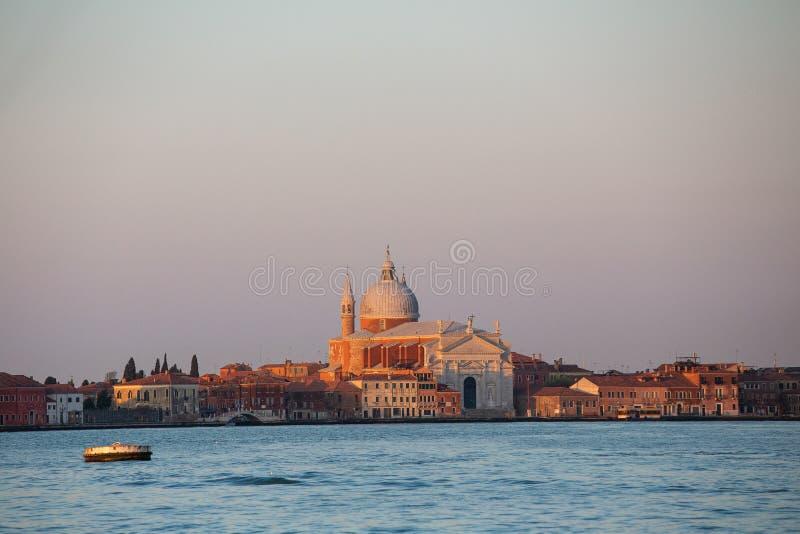 威尼斯在日出的市地平线 库存图片