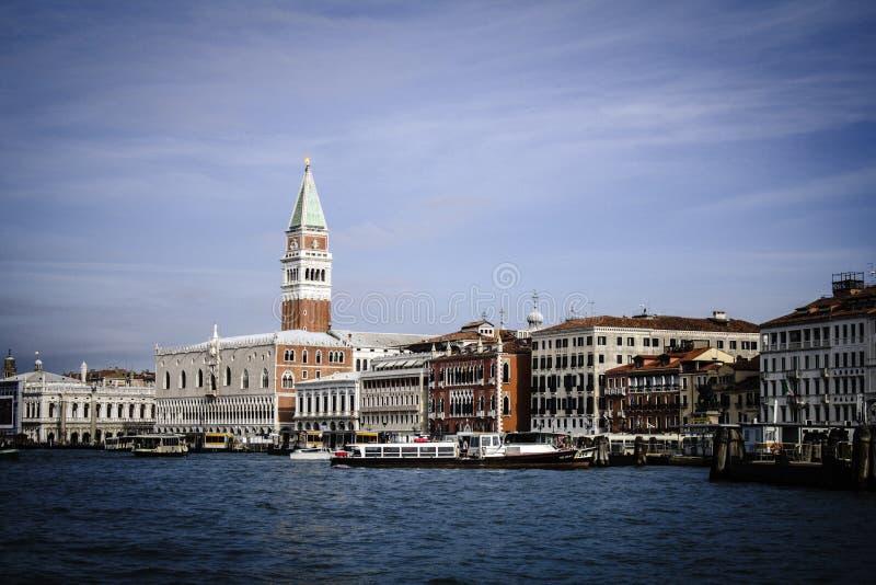 威尼斯地标,有钟楼的圣马可广场 意大利 免版税库存图片