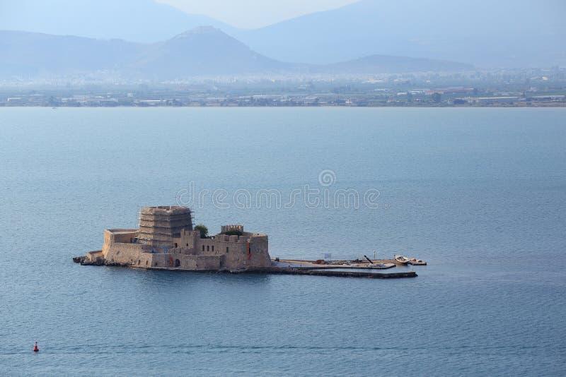 威尼斯式堡垒, Bourtzi,在阿尔戈利斯州海湾,纳夫普利翁,希腊 免版税库存图片