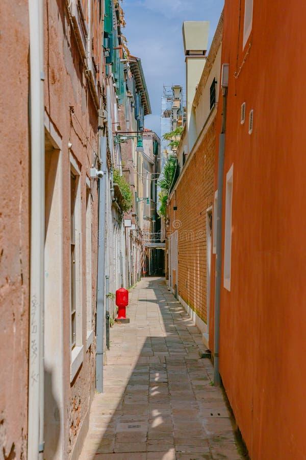 威尼斯式房子和街道在威尼斯,意大利 库存图片