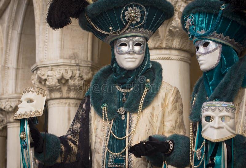 威尼斯式狂欢节蓝色夫妇 库存图片