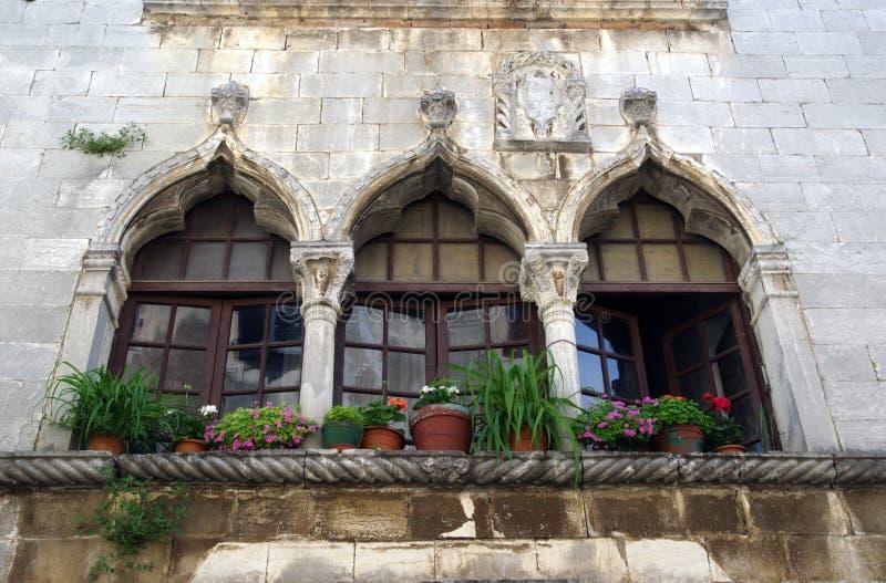 威尼斯式窗口在Porec,克罗地亚 库存照片