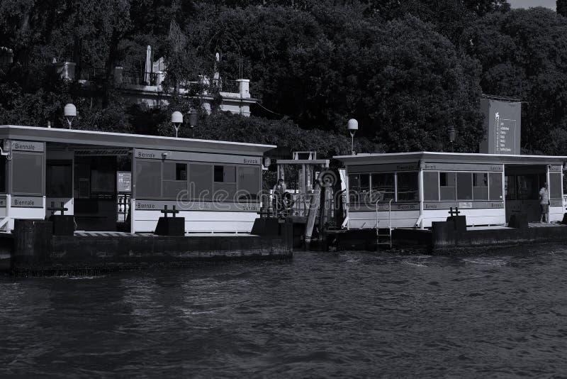 威尼斯式vaporetto,水公共汽车站,意大利 免版税库存照片