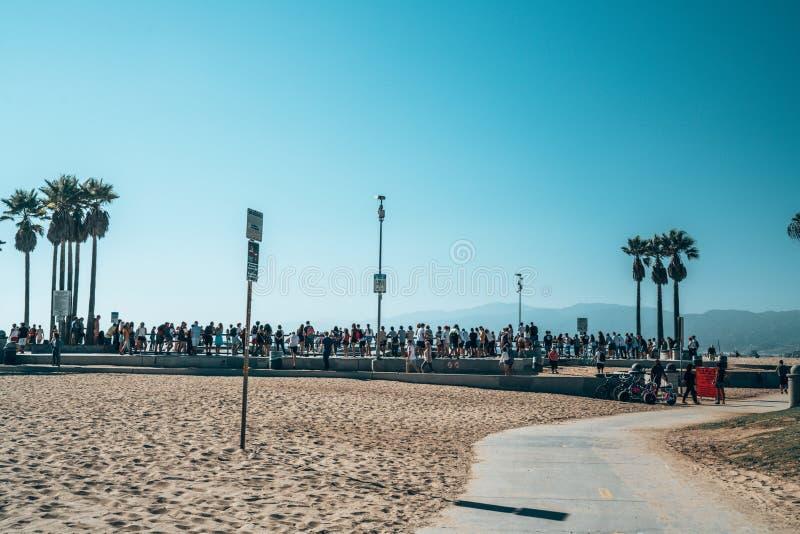 威尼斯海滩由海洋的冰鞋公园 免版税库存图片