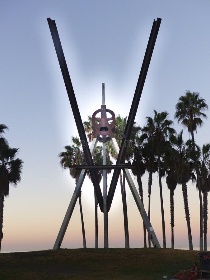 威尼斯海滩v钢雕塑 图库摄影