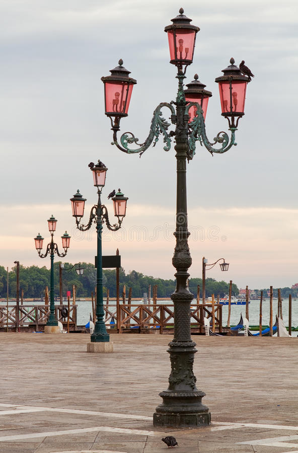 威尼斯路灯柱。 库存图片