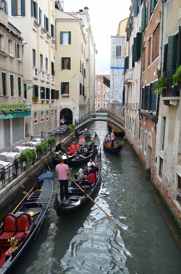 威尼斯长平底船乘驾 库存照片