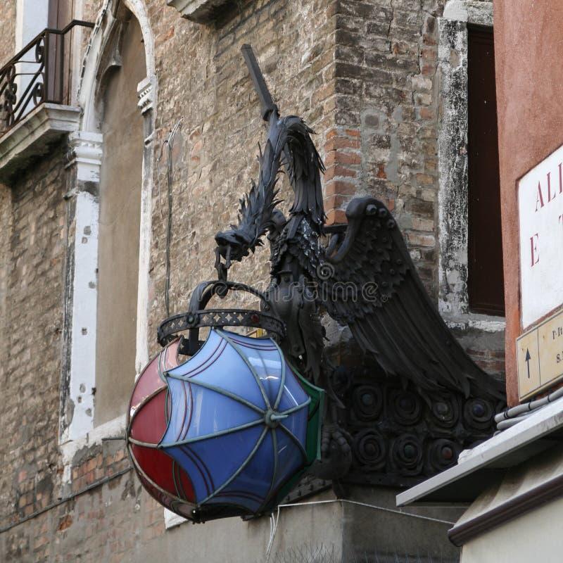威尼斯,与灯的龙 免版税图库摄影