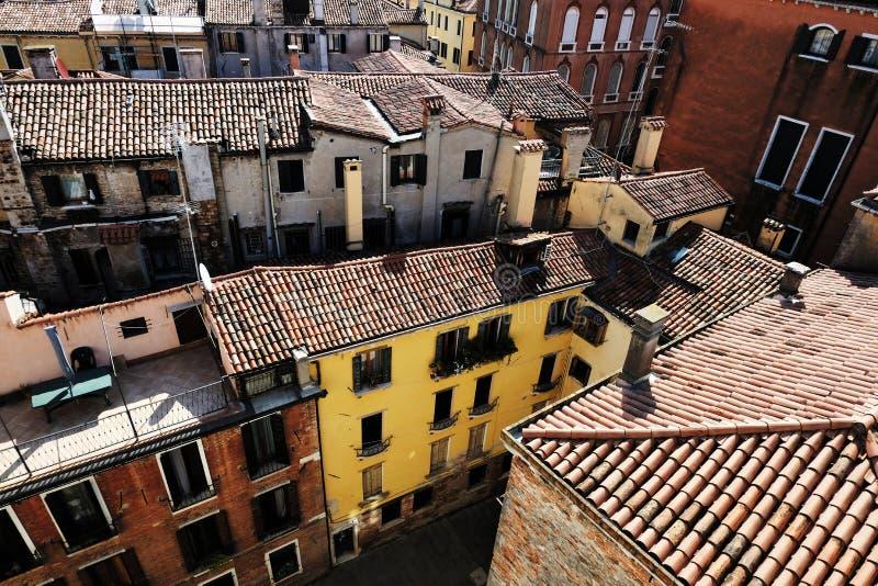 威尼斯,意大利赤土陶器屋顶  免版税库存图片