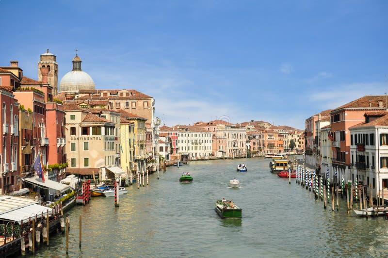 威尼斯,意大利- 2013年4月:大运河 库存图片