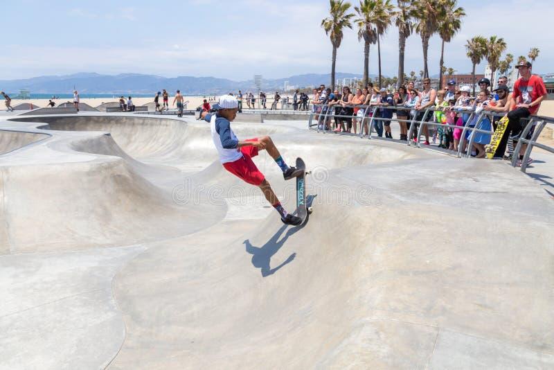威尼斯,美国- 2015年5月21日:在威尼斯海滩,Skatepark,加利福尼亚的洋锋步行 威尼斯海滩是一  图库摄影
