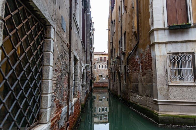 威尼斯,运河,地方游人很少漫步的地方,意大利 免版税库存图片