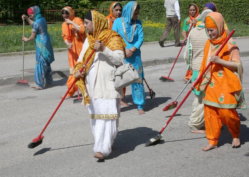 威岑扎, vi,意大利- 2017年4月8日:赤足妇女锡克教徒religiou 免版税库存照片