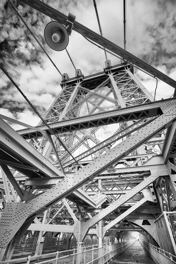 威廉斯堡桥梁的黑白图片, NYC 免版税库存照片
