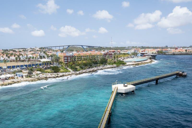 威廉斯塔德库拉索岛女王朱莉安娜桥梁  库存照片