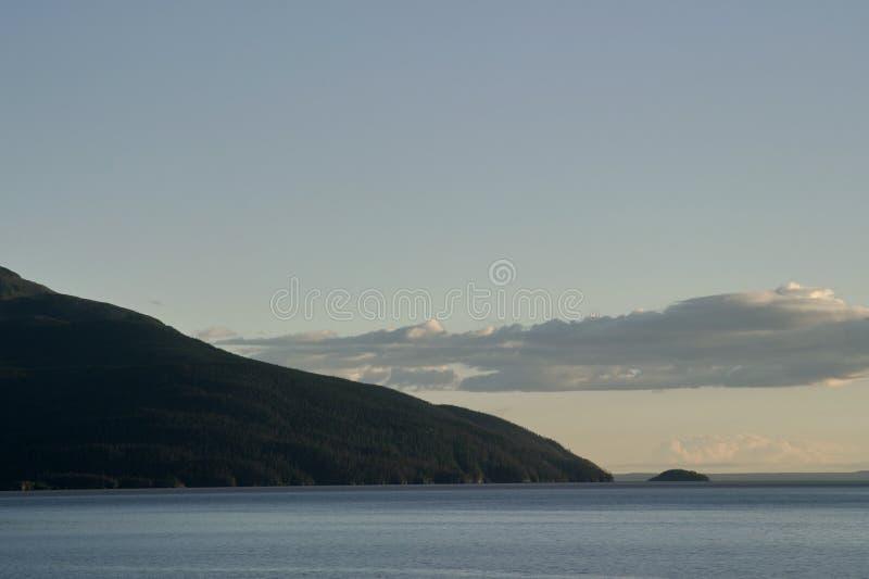 威廉王子湾海岸线在阿拉斯加 免版税库存照片