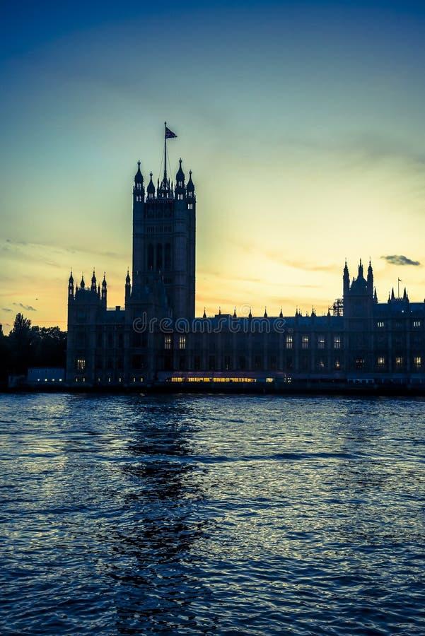 威斯敏斯特宫,议会议院,在晚上,伦敦,英国,英国 免版税库存图片