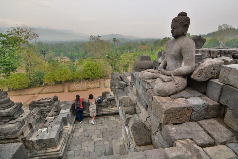 婆罗浮屠寺庙的访客 马格朗 中爪哇省 印度尼西亚 免版税库存图片