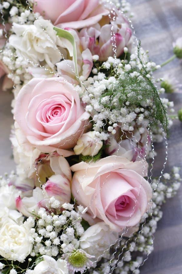 婚姻桃红色的玫瑰 图库摄影