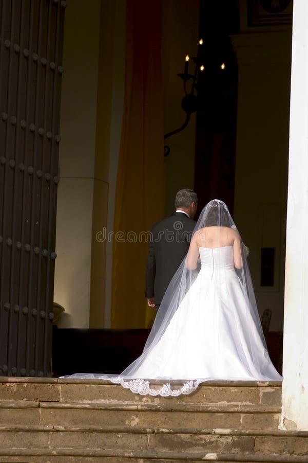 婚礼仪式的教堂 免版税库存图片