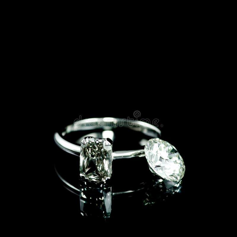Download 婚礼钻戒 库存照片. 图片 包括有 装饰, 对象, 环形, 存在, 婚礼, 夫妇, 传统, 要素, beauvoir - 30331834