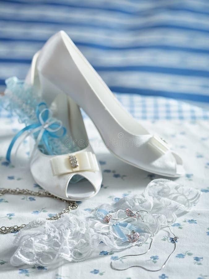 婚礼礼服和辅助部件 图库摄影