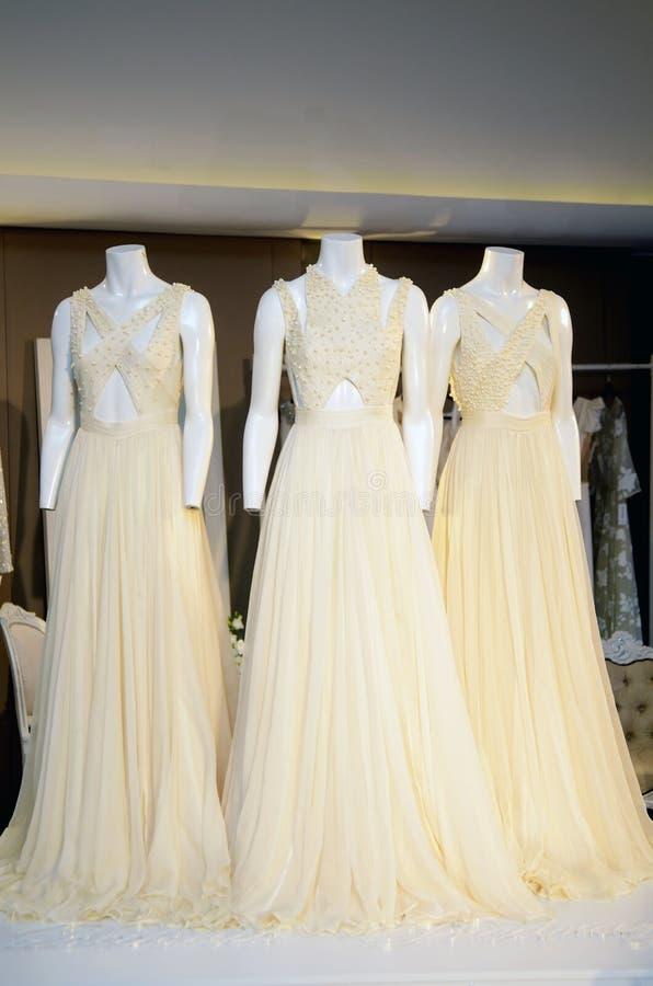 婚礼礼服的陈列 库存图片