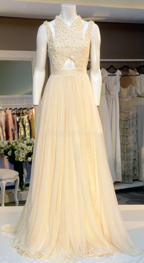 婚礼礼服的陈列 库存照片