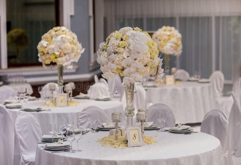 婚礼聚会桌装饰 免版税图库摄影