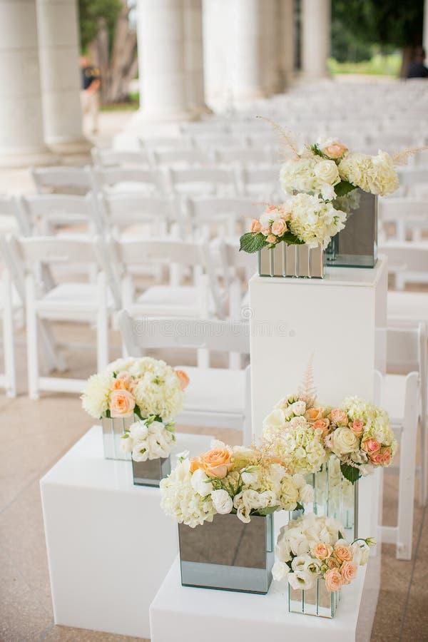 Download 婚礼装饰 库存照片. 图片 包括有 beautifuler, 典雅, 编排者, 正式, 豪华, 装饰, 室外 - 59109806