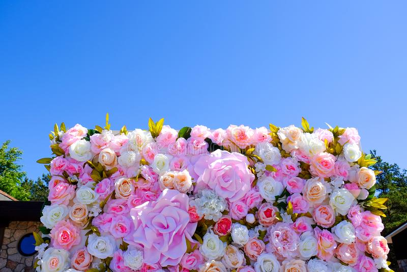 婚礼邀请或新娘阵雨邀请或者母亲` s天卡片大模型,装饰用花框架 库存图片