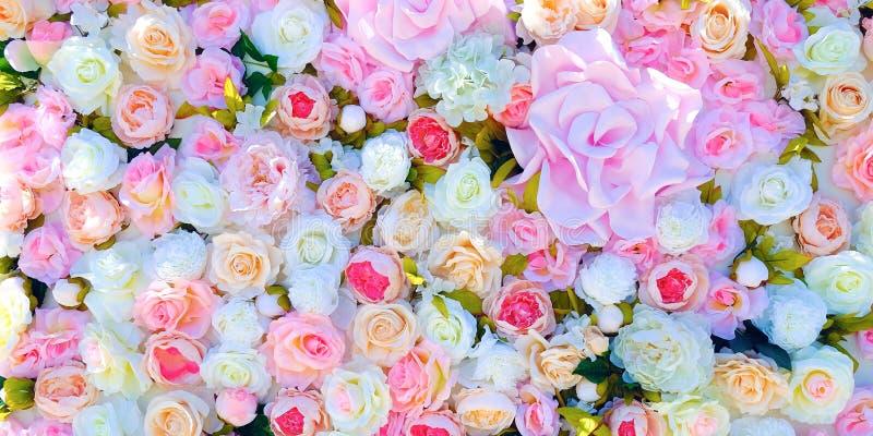 婚礼邀请或新娘阵雨邀请或者母亲` s天卡片大模型,装饰用花框架 库存照片
