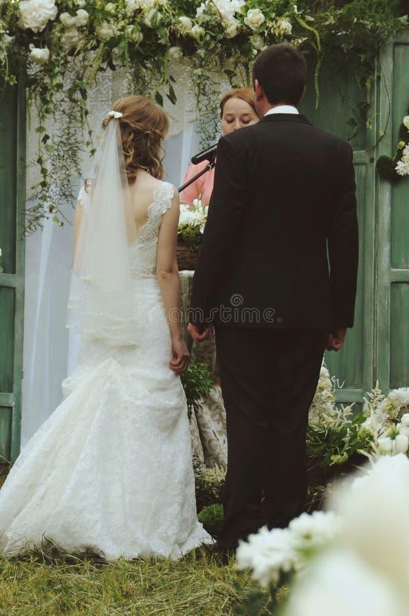 婚礼fianceand新娘 库存照片