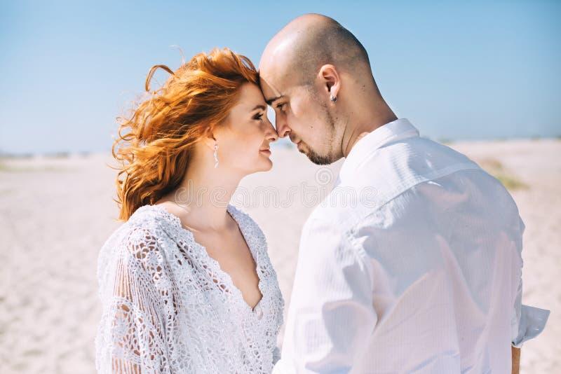 婚姻在沙漠 免版税库存照片
