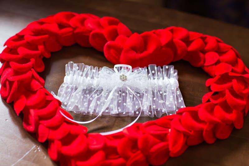 婚姻的新娘袜带 免版税库存照片