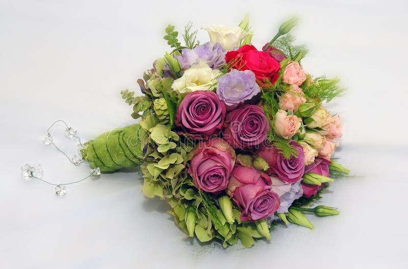 婚姻花束的混杂的玫瑰花 免版税库存图片