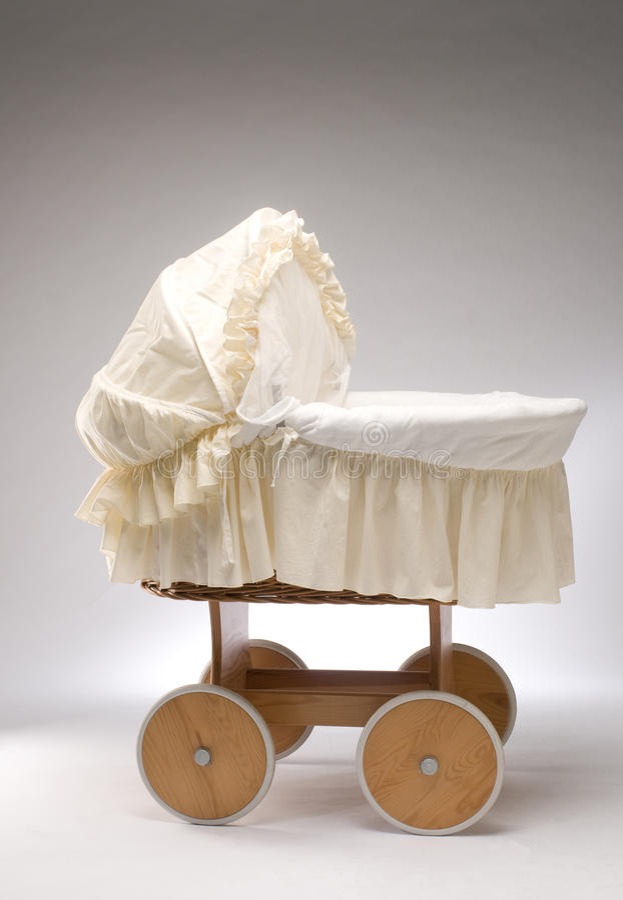 婴儿床小的木头 库存照片