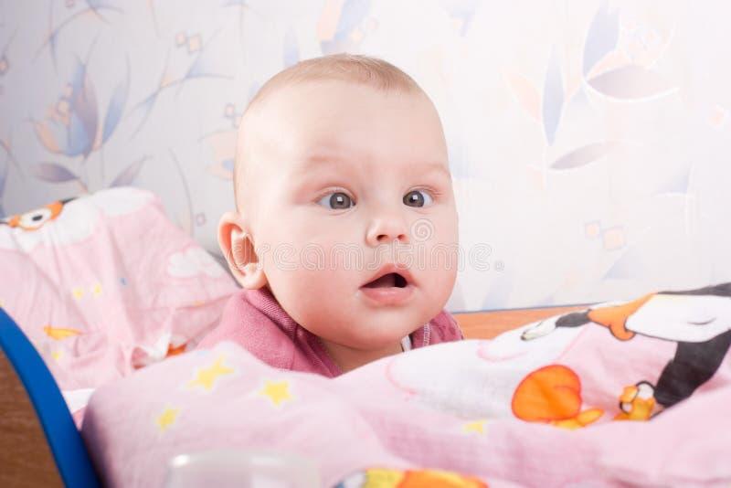 婴儿床 库存图片